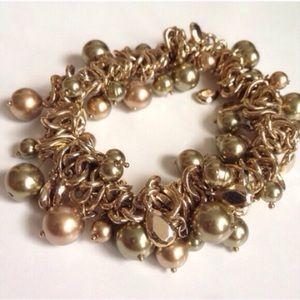 NWOT Gold & Green Pearl Charm Stretch Bracelet